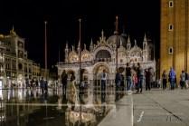 Venedig Markusplatz unter Wasser