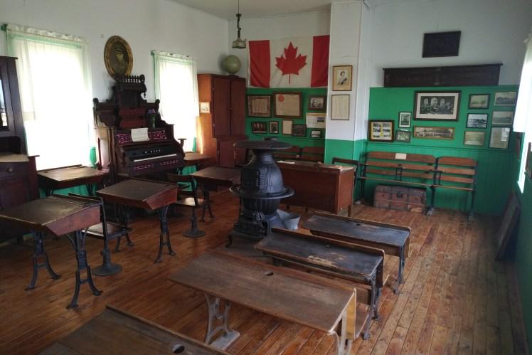 Manitoba Ghost Towns - Star Mound School Museum.