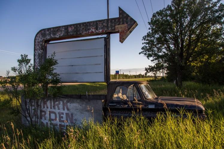 Abandoned roadside attraction side.