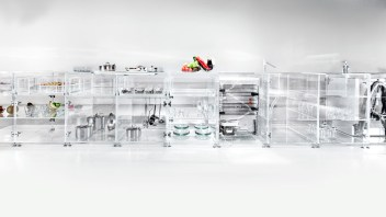 infinity-kitchen-transparent-mvrdv-translucent-transparent-venice-biennale-2016-living-home-environment-future-exploration_dezeen_936_7