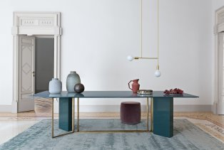 plinto-table-collection-meridiani-italian-furniture-brand_dezeen_2364_col_1