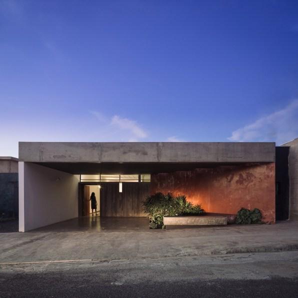 ignant-architecture-ownerless-house-01-vao-21