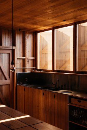 architecture-taylor-hinds-krakani-lumi-006-720x1079