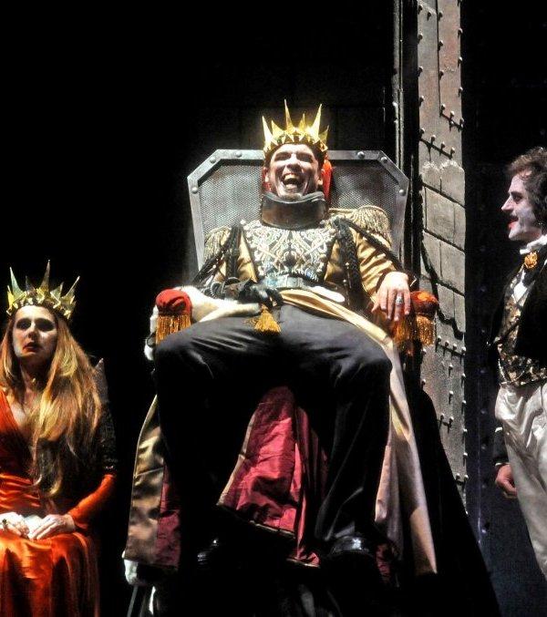 Alessandro Gassmann è Riccardo III