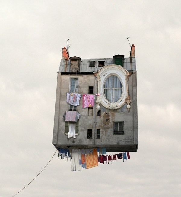 FLYING HOUSES_LAURENT CHEHERE
