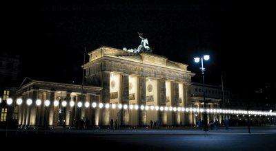 #FALLOFTHEWALL: IL LICHGRENZE DI BERLINO E' STATO UN SUCCESSO!