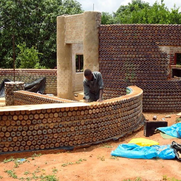 NIGERIA'S PLASTIC HOUSES