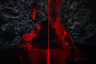mysterious-red-lights-installations-in-spain-8-900x600
