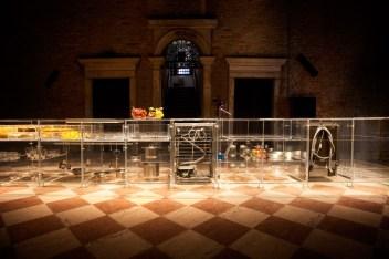 infinity-kitchen-transparent-mvrdv-translucent-transparent-venice-biennale-2016-living-home-environment-future-exploration_dezeen_936_6