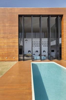 swimming-pool-071116-1102-03