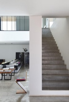 concrete-stairs-071116-1111-09