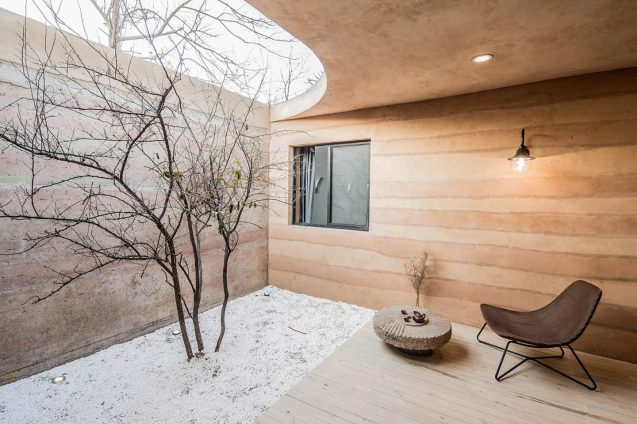 architecture-hypersity-the-cave-house-02-1440x960