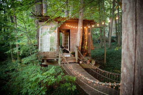 Secluded-Intown-Treehouse_0-640x426