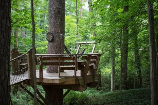 Secluded-Intown-Treehouse_5-640x426
