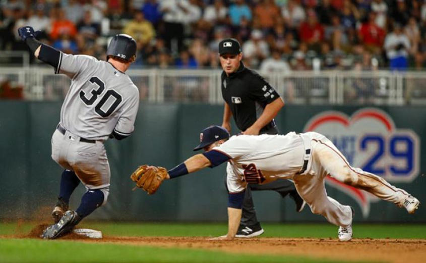 Yankees Beat Twins in AL Wild Card Game
