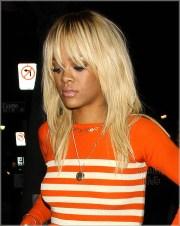 rihanna dyed hair blonde