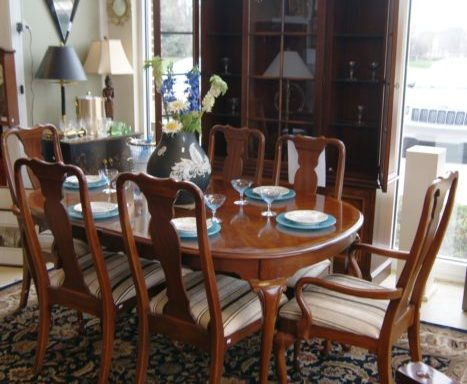 10 Piece Dining Room Table and Chairs
