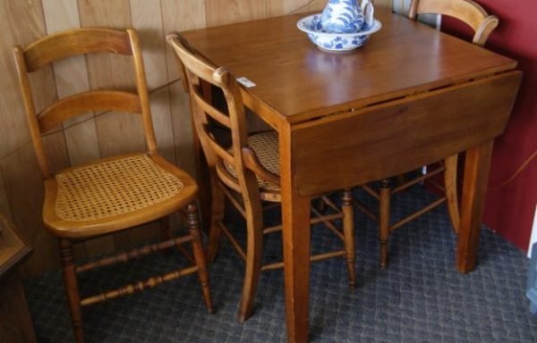 4 Piece Drop Leaf Table and Chairs