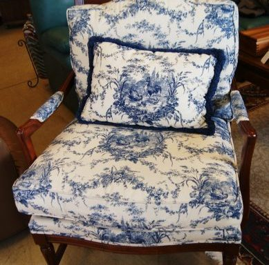 Custom Arm Chair With Pillow