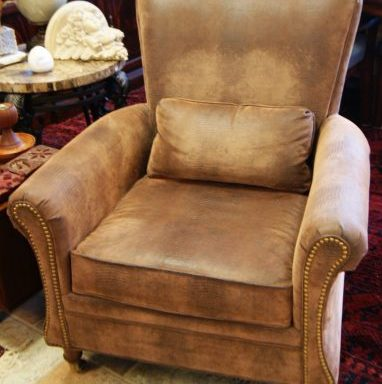 Wing Back Arm Chair With Pillows