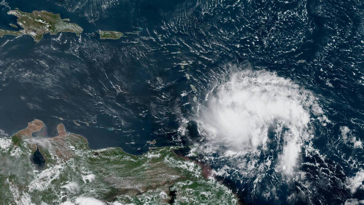 tropical storm dorian menaces