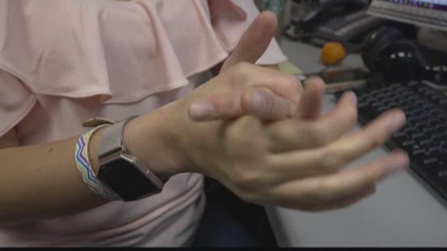 wbir.com | VERIFY: Does Popping Your Knuckles Cause Arthritis?