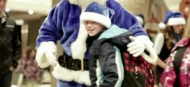 Blue Canadian Santa Will Make You Happy. Watch Now.