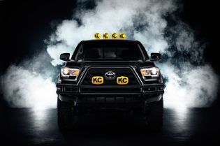 2016-toyota-tacoma-back-to-the-future-tribute-truck-front-end