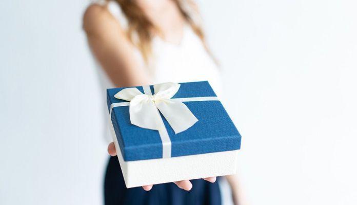 Что подарить на день рождения мужчине коллеге