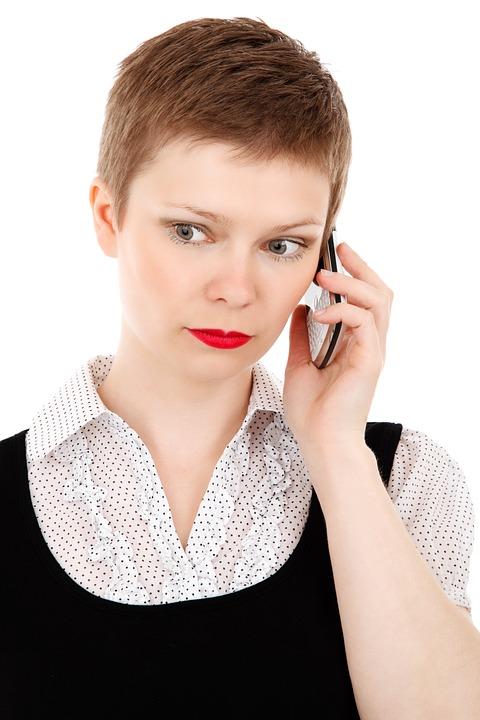 なぜあの人は電話対応が苦手なのか?脳科学的考察