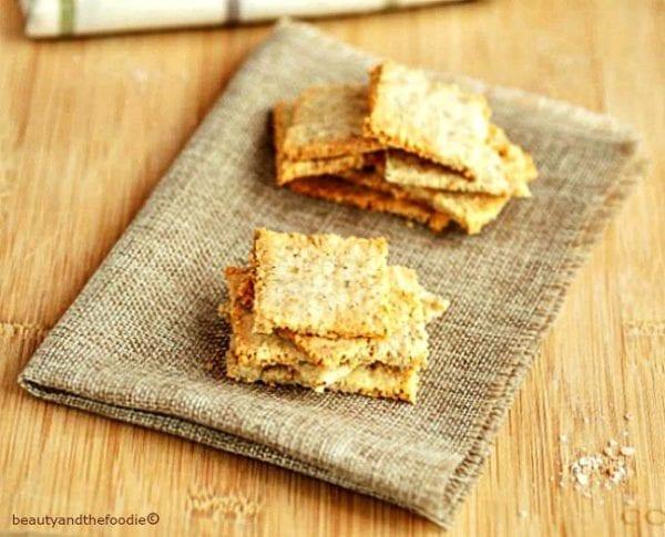 sesame cheese crackers