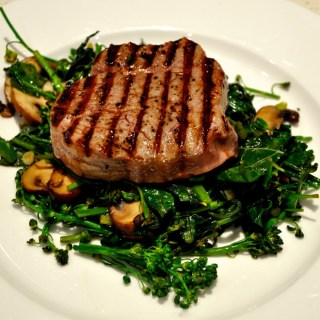 eye fillet with kale, broccolini & mushrooms