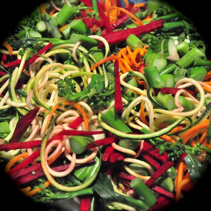 rainbow noodley salad