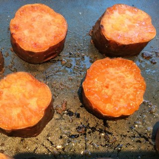 Roasted sweet potato in coconut oil – instruction video!