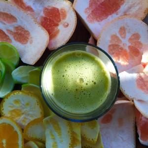 Citrus juice: 1 ruby grapefruit, 1 lime, 1 orange, handful spinach, 1 cucumber