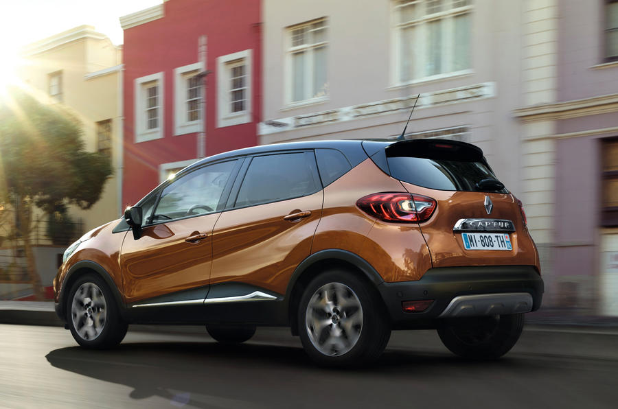 renault announces pricing and specifications for connected and distinctive new captur 09h00 020517 5