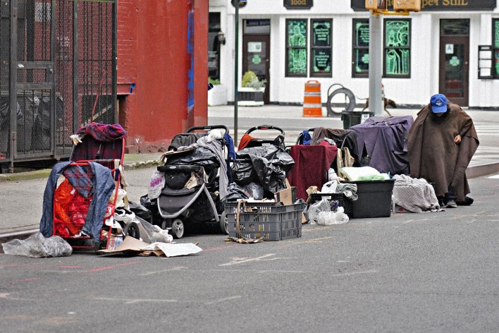theres federal money available to house the homeless no ones taking it - There's federal money available to house the homeless. No one's taking it.
