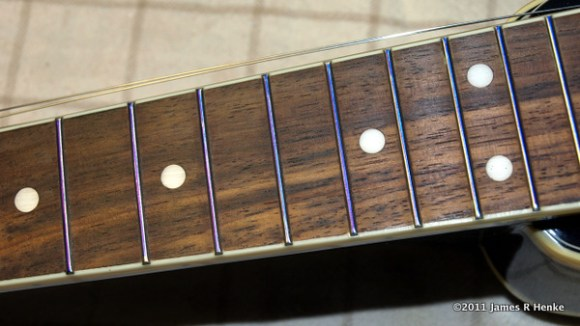 A Sharpie used to ink the tops of all frets.