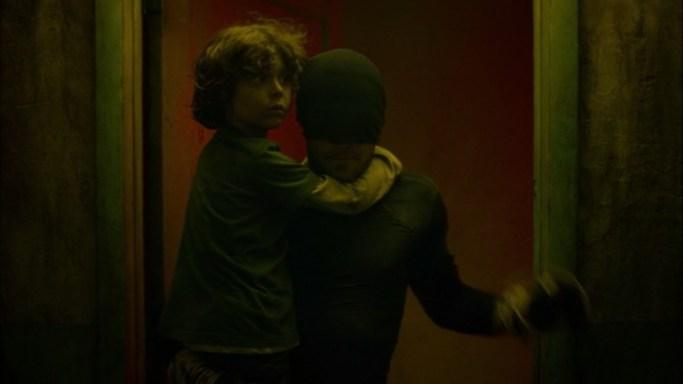 Charlie-Cox-saving-child-in-Netflix-series-Daredevil