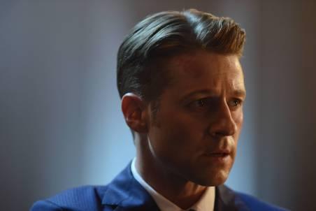 GOTHAM: Gordon (Benjamin McKenzie) in ÒRise of the Villains: The Last LaughÓ episode of GOTHAM airing Monday, Oct. 5 (8:00-9:00 PM ET/PT) on FOX. ©2015 Fox Broadcasting Co. Cr: Nicole Rivelli/FOX.