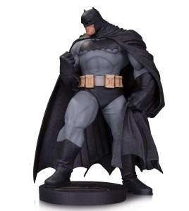 DC_Comics_Designer_Series_Kubert_Statue_sRGB