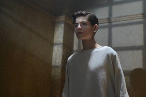 "GOTHAM: L-R: David Mazouz in the ""Rise of the Villains: Worse Than A Crime"" episode of GOTHAM airing Monday, Nov. 30 (8:00-9:00 PM ET/PT) on FOX. ©2015 Fox Broadcasting Co. Cr: Nicole Rivelli/ FOX"