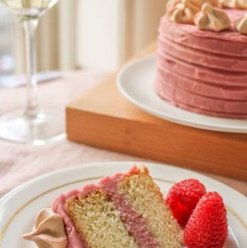 champagne and raspberry layer cake
