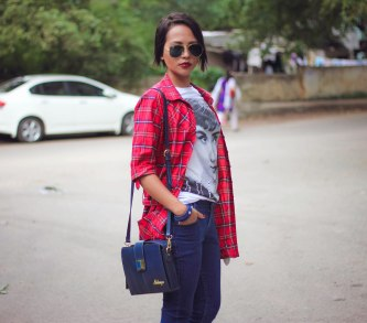 Indian-Fashion-Streetstyle-Blog_Bighairloudmouth-wearing-Rayban-Aviators (1)