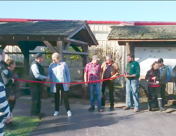 Officials prepare for ribbon cutting event for new paths in Pioneer Park 2018-11-02