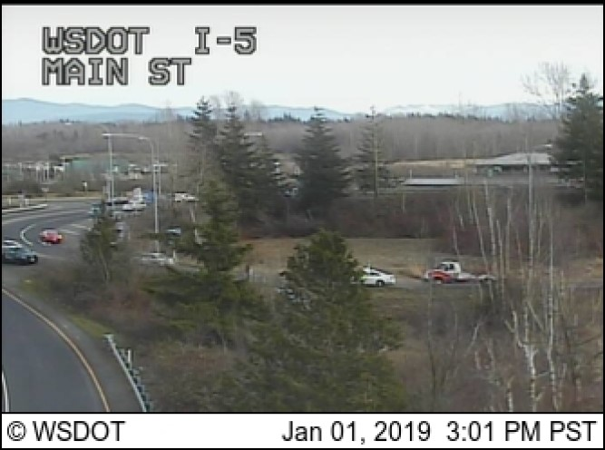 responders on scene of rollover crash at nb i5 off-ramp at mp262 2019-01-01 1500