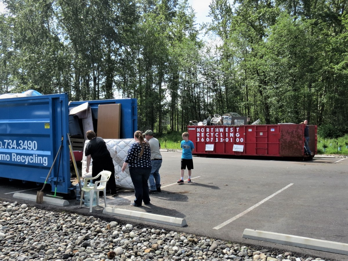 Ferndale residents take advantage of free disposal of large items during the 2019 Ferndale Citywide Cleanup Day (April 20, 2019). Photo: Whatcom News