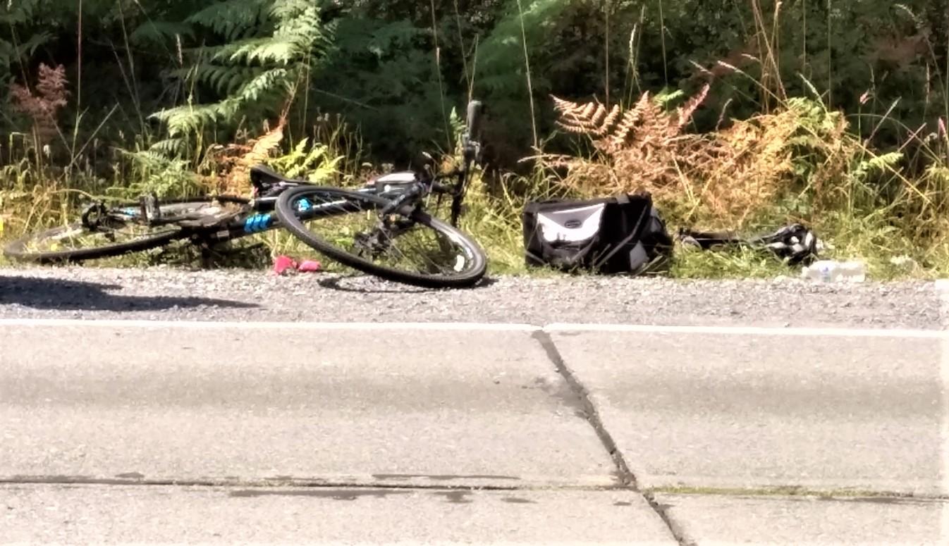 scene of car vs bicyclists on portal way 2019-08-05
