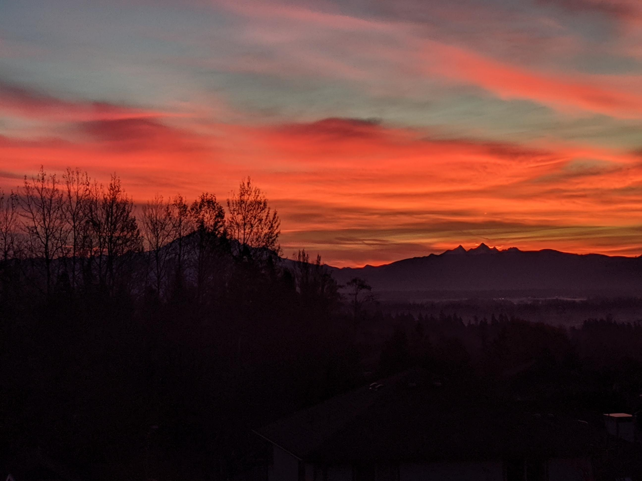 Sunrise (November 8, 2019). Photo courtesy of Chloe Knight.