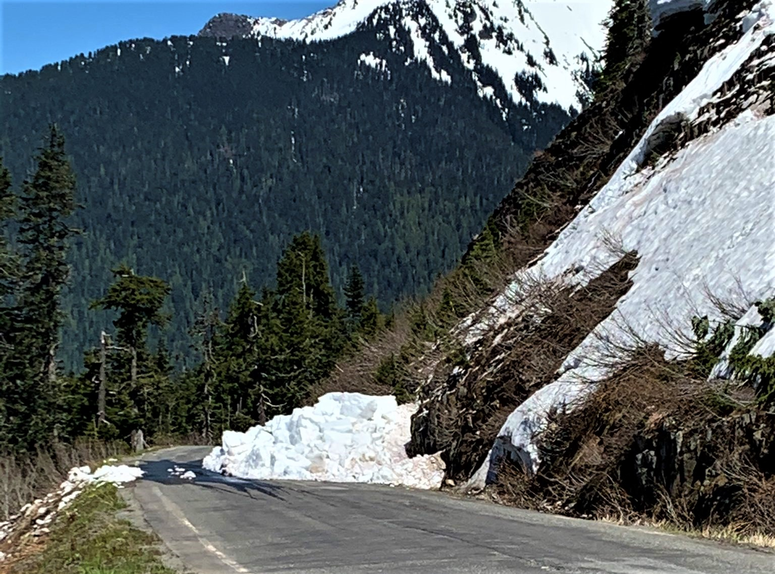Snow slide on Mt Baker Hwy (May 29, 2021). Photo courtesy of WSP